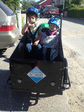Cargobike with kids